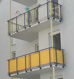 Balkon mit Balkonverkleidung