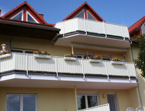 Balkonbespannung – Blickfang und nützliches Utensil
